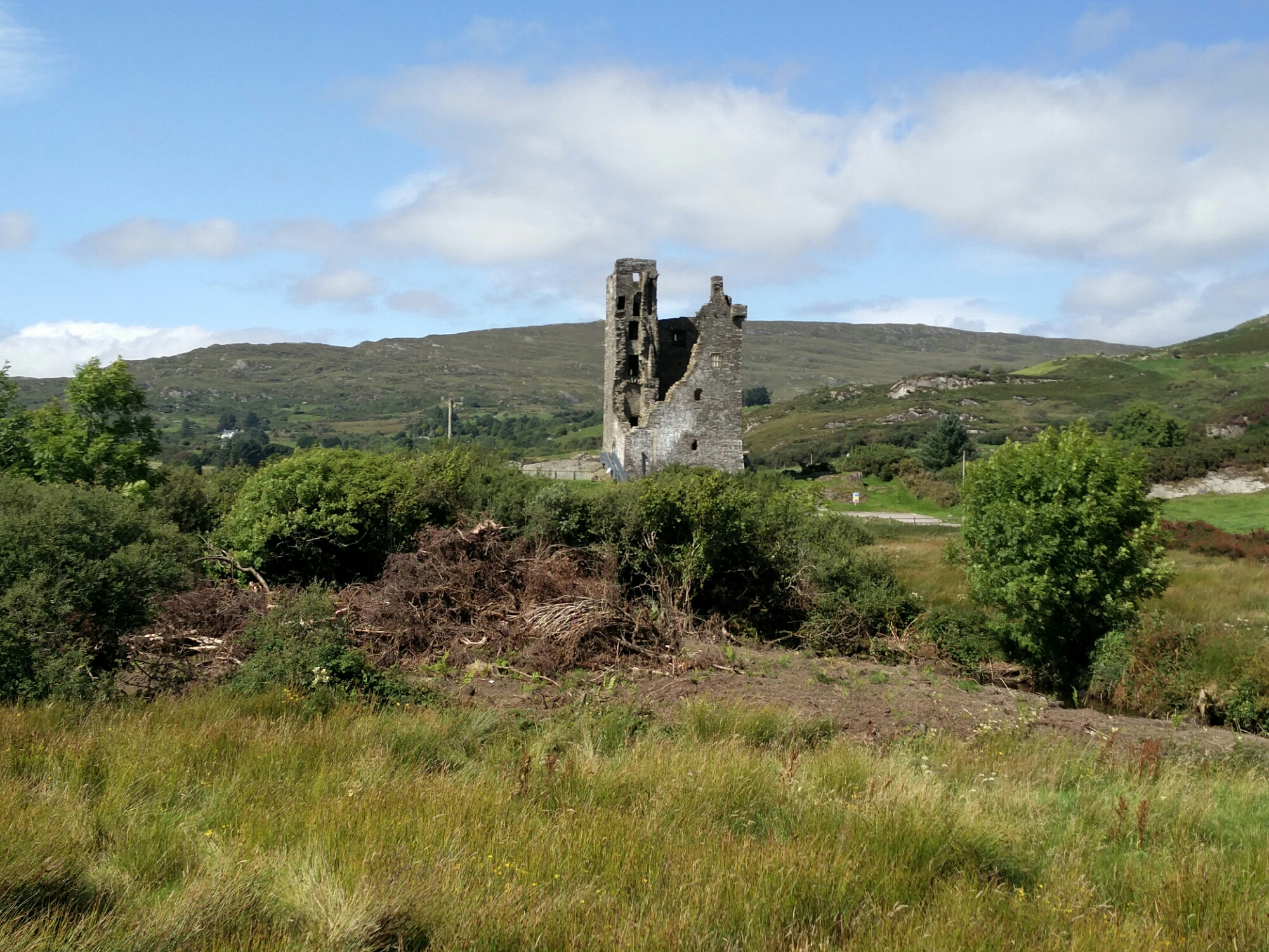 Nearby O'Donovan castle.